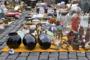 Antiques displayed at Shanivari Market