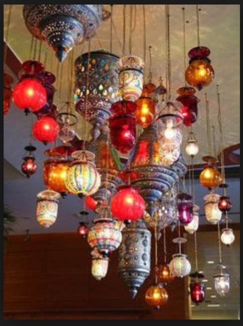 Enlighten houses by gifting them beautiful lanterns and lamps